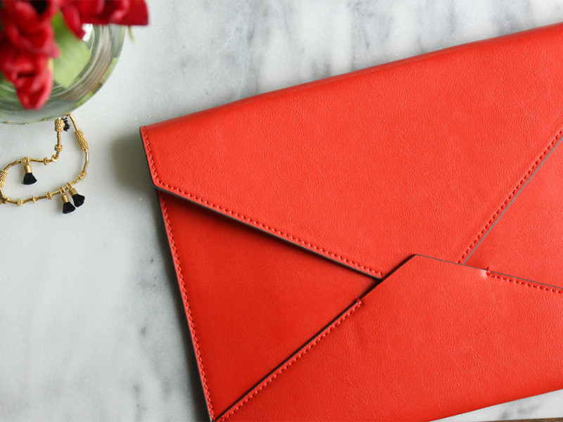 banana-republic-envelope-clutch-red